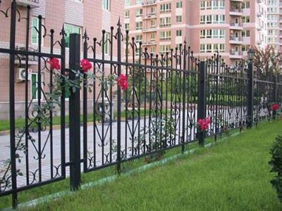 小区铁艺护栏材料规格特点