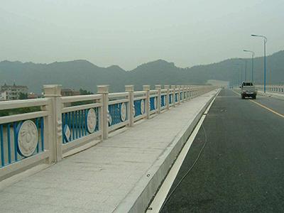 桥梁铁艺护栏类型